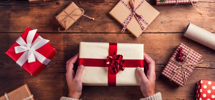 12 Epic Christmas Promotion Ideas [Infographic]